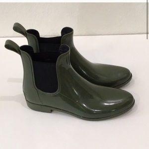 J crew Chelsea short rain boots olive green 11
